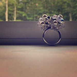 Swarovski irredentist crystal & pearl ring size 7